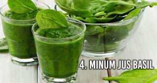 Minum Jus Basil untuk Pertolongan Pertama Alami Saat Keracunan Makanan