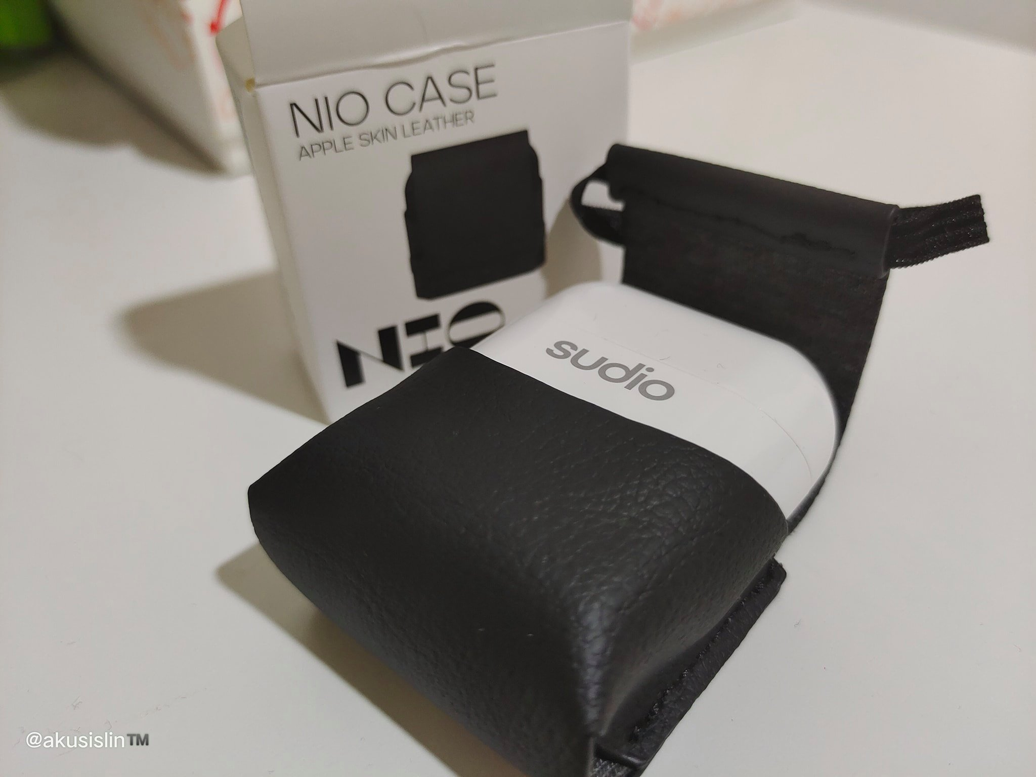 Beli Sudio Nio Earphones Sekarang Dan Dapatkan Sudio Nio Case Secara Percuma!
