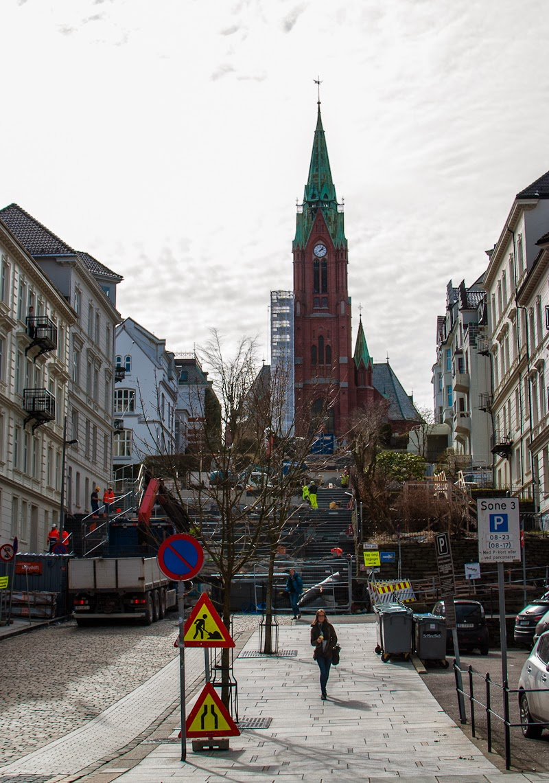 Picture of main church and street in bergen