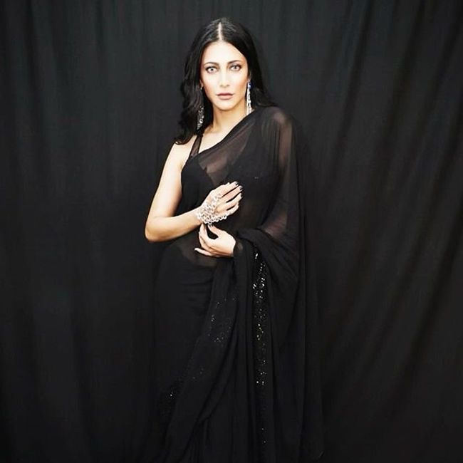Pic of the day: Shruti Haasan Looks Stunning Pictures