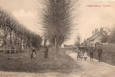 carte postale ancienne place du village Corny Eure