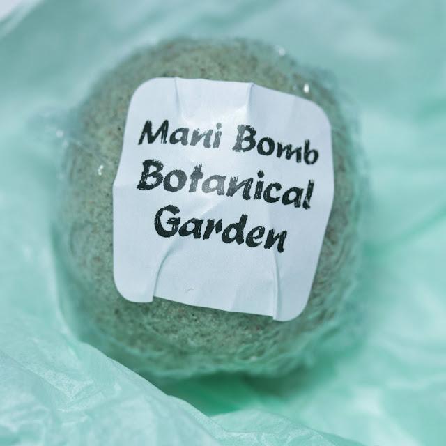 Riverwood Apothecary Botanical Garden Mani Bomb