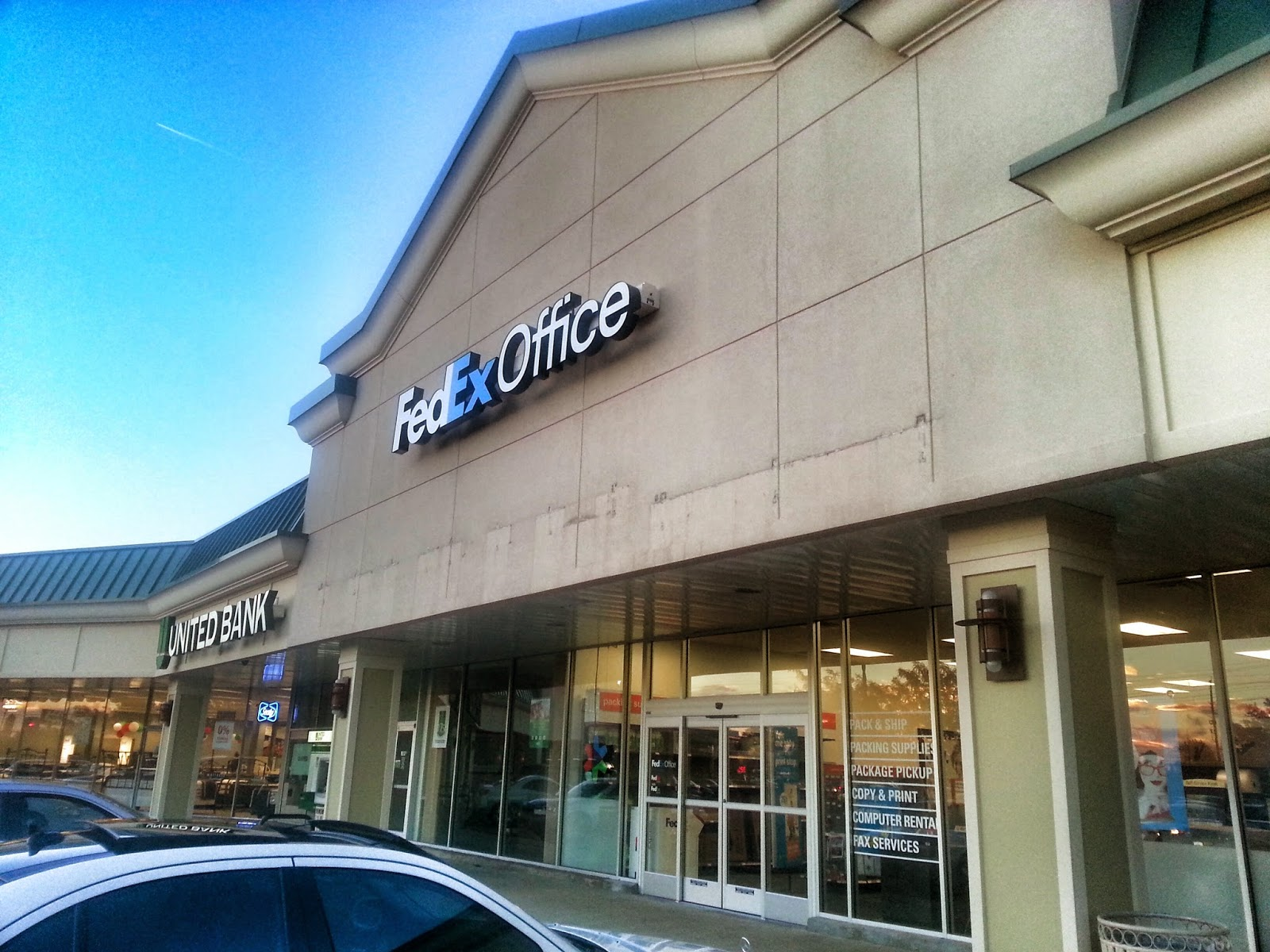Office Stores Rockville Nights Fedex Office Store Opens In Pike Center In