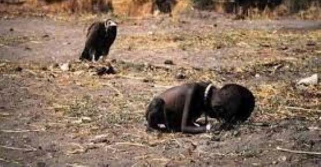 Aç Çocuk Afrika Akbaba