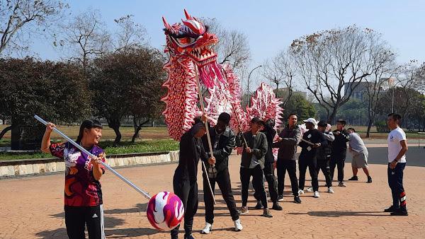 明道大學外籍生舞龍舞獅 祈求新年平安好運