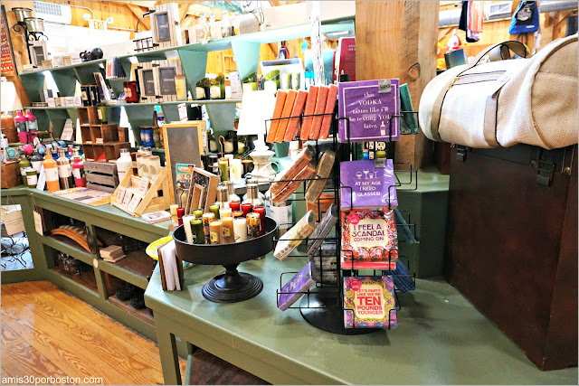 Interior de la Tienda de Kimball Farm, Lancaster