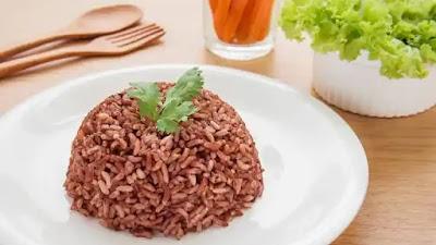 7 alasan fantastis mengapa nasi merah PERLU menjadi bagian dari makanan pokok Anda