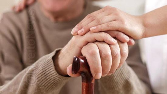 idade avancada isoladamente incapacidade firmar testamento