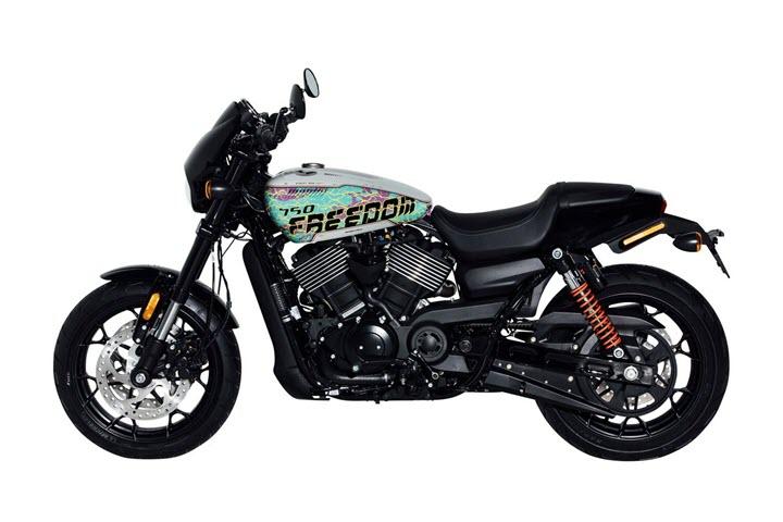 """Harley Davidson Street Rod 750 phiên bản """"Freedom Edition"""": Màn phá cách thu hút mọi ánh nhìn"""