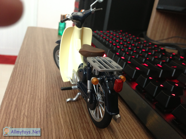 Honda Super Cub Model Toy Bike 2