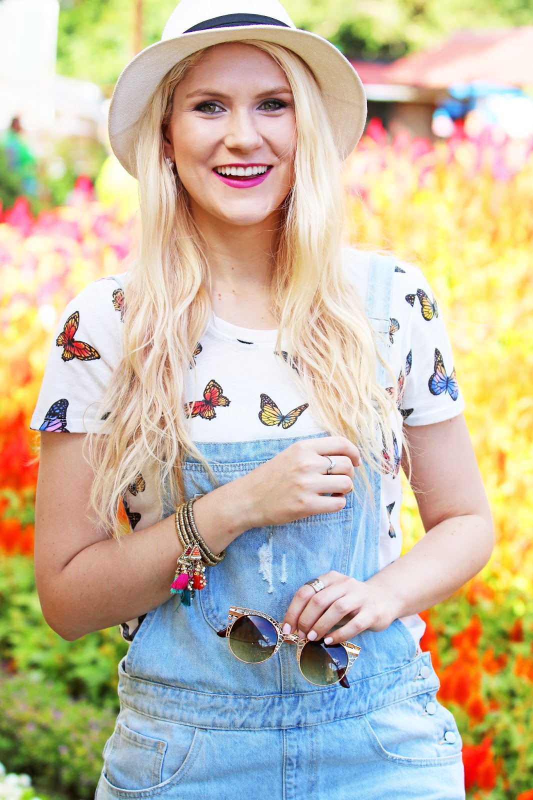 Cute denim overalls outfit