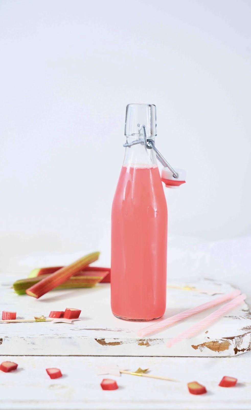 rhubarbe , sirop maison , sirop pas trop sucré , recette facile à faire