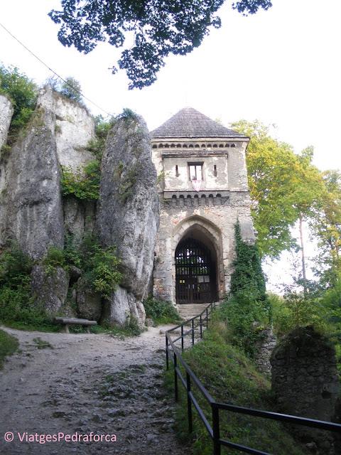 Zamek Ojkow, Ruta dels Nius d'Àguila, castells medievals, Polònia medieval