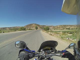 Bela paisagem a caminho de La Paz / Bolívia.