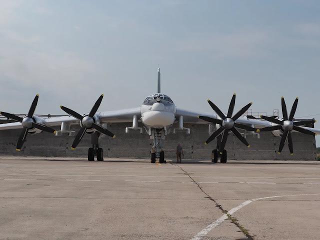 máy bay Tu-95MSM