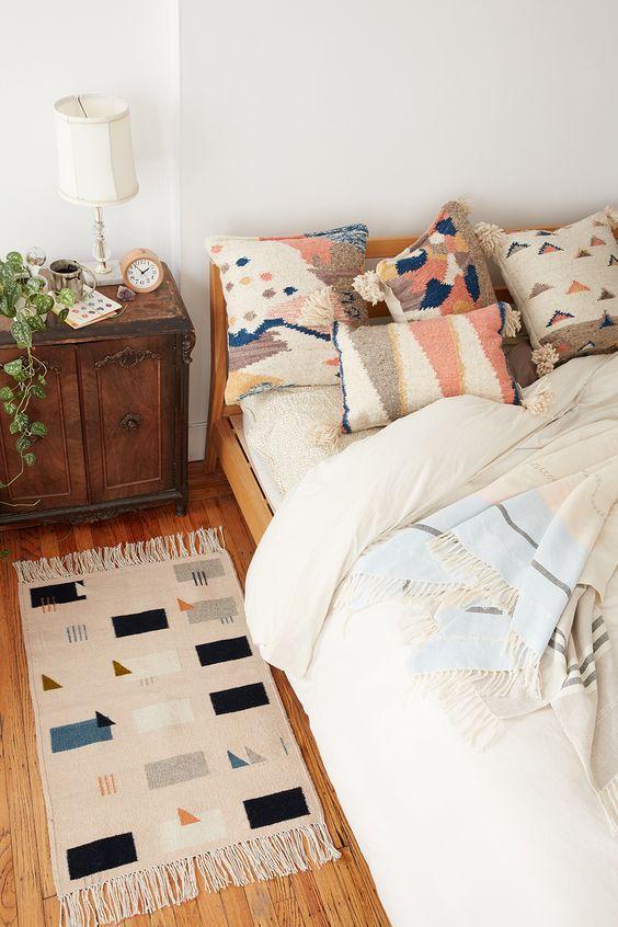clavess para decorar habitación de alquiler con alfombras