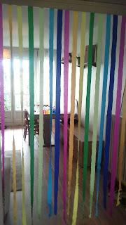 rideau en crépon couleurs arc en ceil déco anniversaire