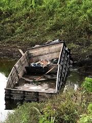 Caminhão perde freios na Serra do Jiquiri e cai em açude em Esperantinópolis