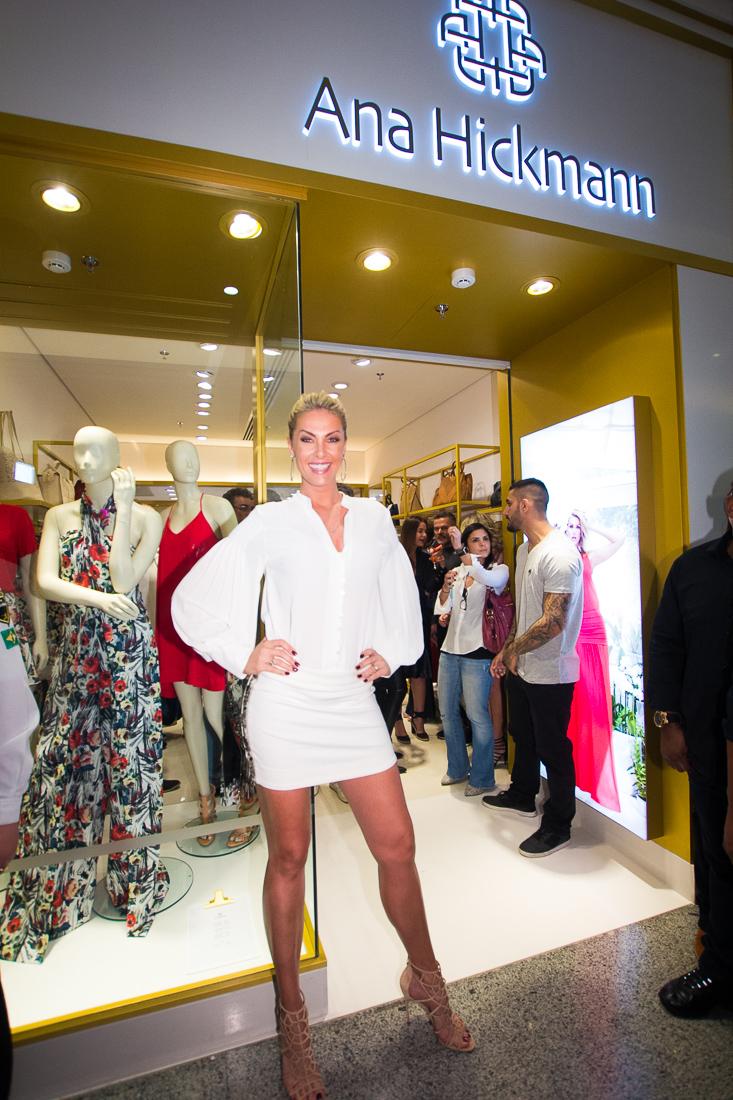 0737c539bb201 MODA DO BRASIL  Ana Hickmann Collection inaugura loja no shopping ...