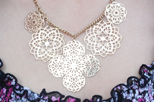 Forever 21 Delicate Gold Lace Necklace
