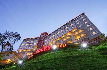Lowongan Kerja Bukittinggi Grand Rocky Hotel Desember 2020