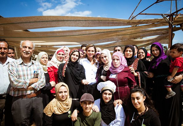 Queen Rania met with its women beneficiaries to learn about their efforts in organic and sustainable agriculture