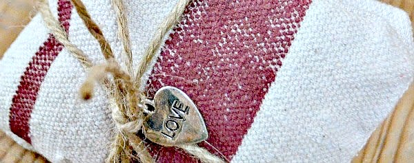 Love charm on tie for Lavender bundle