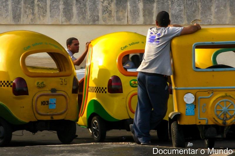Coco Taxis; Havana