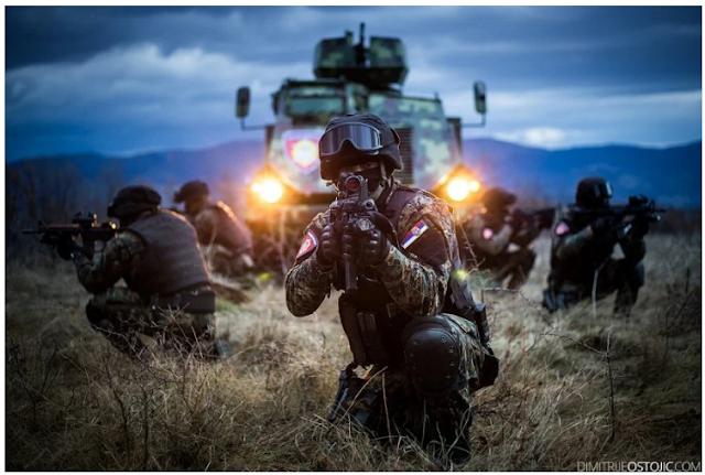 Η απόλυτη «κόλαση» στο Κόσοβο: Σέρβοι κομάντος ήρθαν αντιμέτωποι με Αμερικανούς – Παραλίγο αιματοχυσία