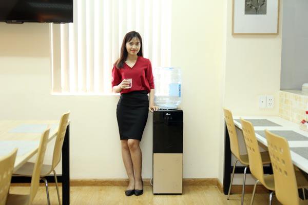 Cây nước nóng lạnh FujiE WD1500C giá rẻ 2 vòi