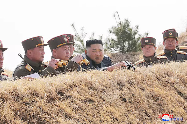 Kim Jong Un guides artillery fire competition between large combined units of KPA on western front, March 2020