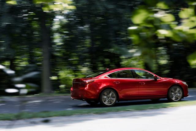 Phần đuôi Mazda6 2020 có nhiều điểm hay hơn so với thế hệ trước.
