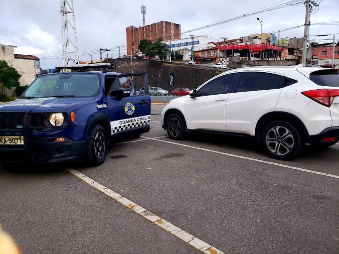 Mais um veículo recuperado pela GCM de Cotia após roubo e sequestro por São Roque...