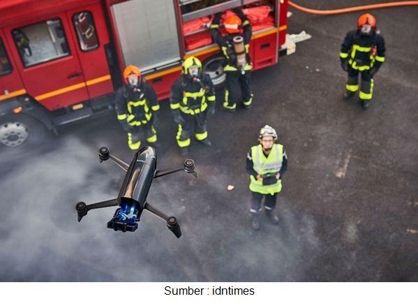 drone pemadam kebakaran