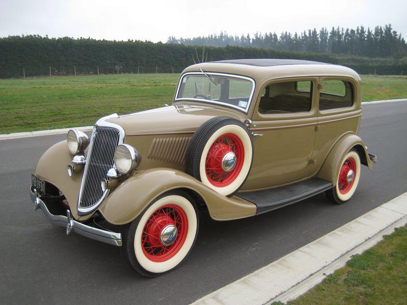 transpress nz: 1934 Ford Tudor V8 sedan