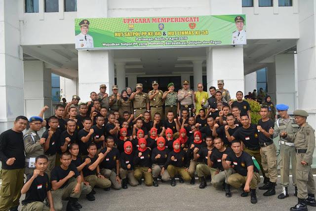 Satpol PP Bersama TNI/Polri Jamin Keamanan Wisatawan Berlebaran di Pariaman