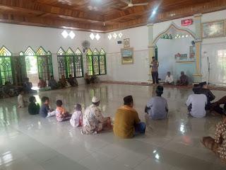 Ba'da Sholat Jumat, Bhabinkamtibmas Polsek Enrekang Sampaikan Himbauan Kamtibmas di Masjid