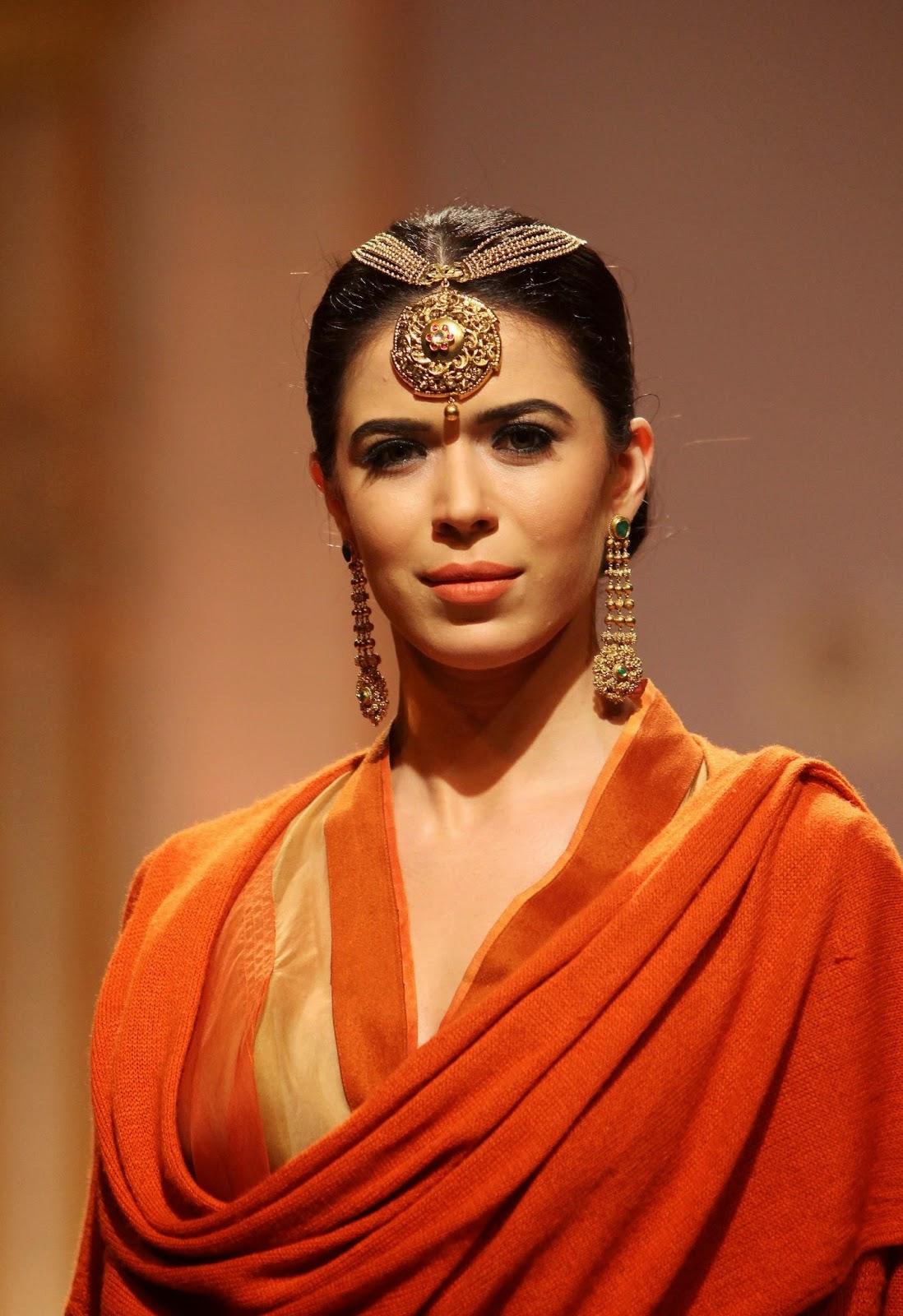 The Glitzy World !!: Azva launches new gold bridal jewellery collection - photo#15