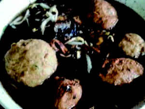 Kuliner Indonesia - Bakso Hitam Pak Bewok