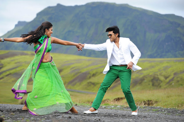 Amala paul sexy in Green saree navel exposed images hot collection