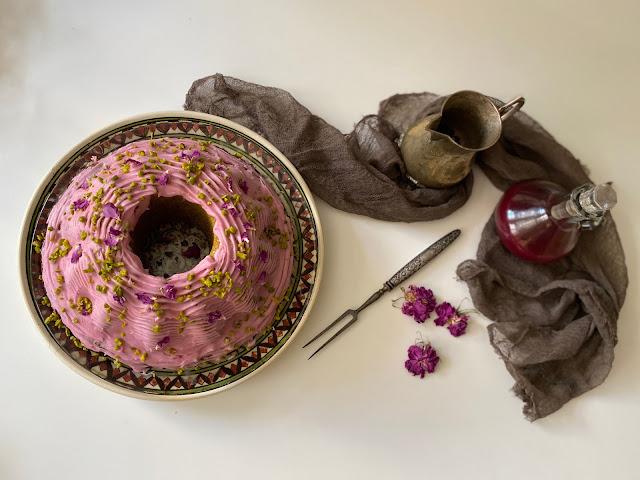 Orientalischer Hochzeitskuchen nach Ottolenghi