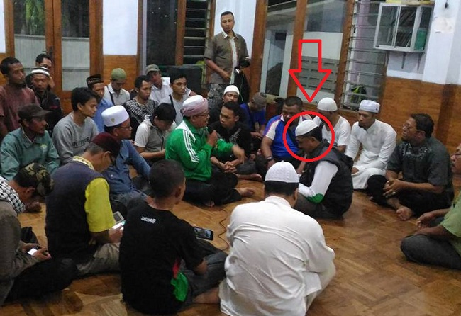 Pria Kristen memutuskan masuk Islam setelah melihat kesungguhan muslim membela agamanya dalam Aksi Damai 212.