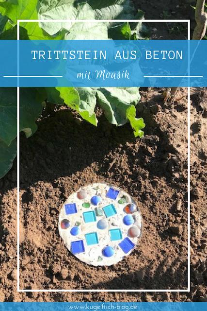 DIY Trittsteine aus Beton mit Mosaik für den Garten - Fertiger Trittstein im Beet