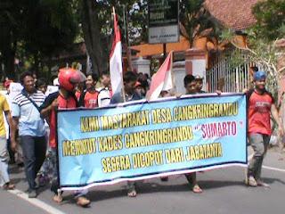 Kades Kepergok Selingkuh, Warga Demo Pemkab Tuntut Pemecatan