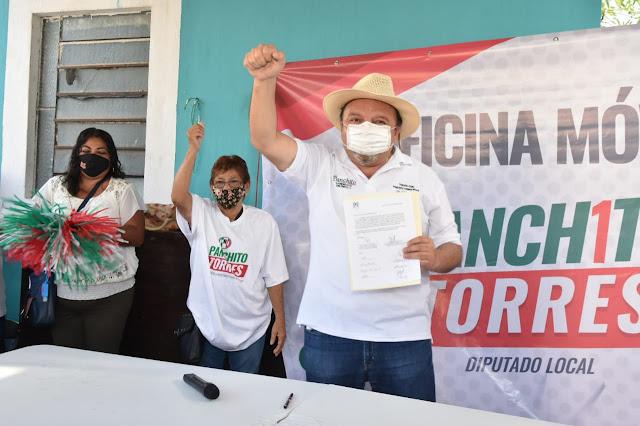 """""""Panchito"""" Torres ofrece una Oficina Móvil para el primer distrito local"""