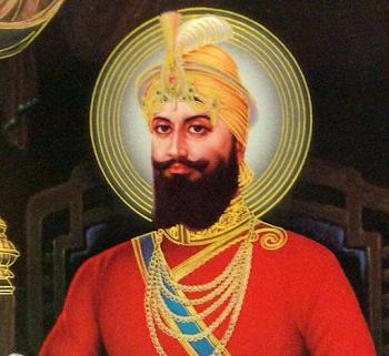 Guru Gobind Singh Ji Gurpurab 2020 : भक्तों ने पंजाब में स्वर्ण मंदिर में प्रार्थना की