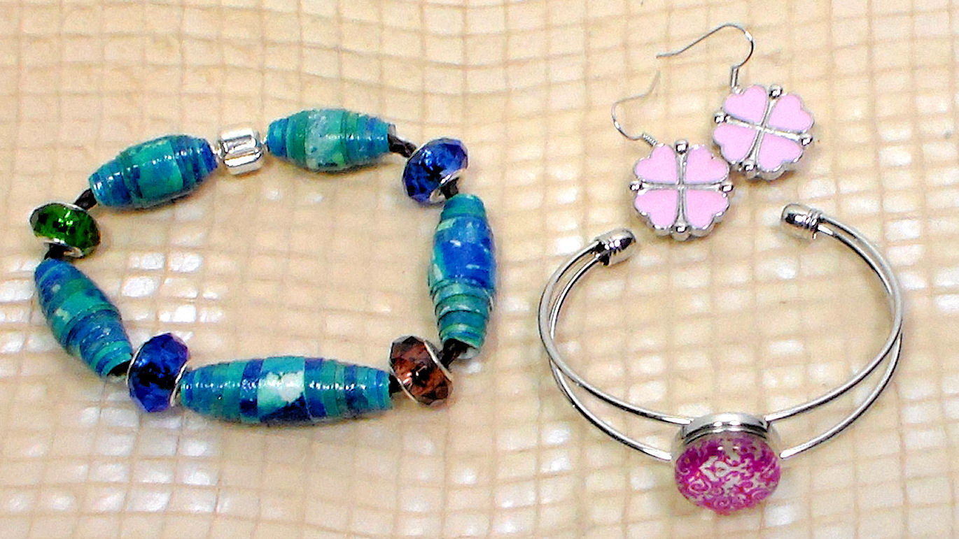 Do It Yourself Jewelry: Do It Yourself Ideas And Projects