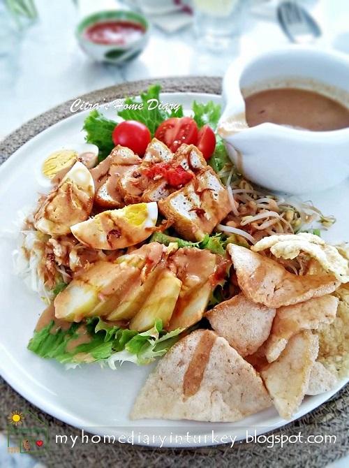Indonesian National Food Recipe - GADO GADO / Resep gado-gado khas Surabaya  | Çitra's HOme Diary. #indonesiansalad #indonesiangadogadorecipe #indonesianfoodrecipe #veganrecipe #tofu #resepgadogado #gadogadosurabaya #rujak #howtomakegadogado