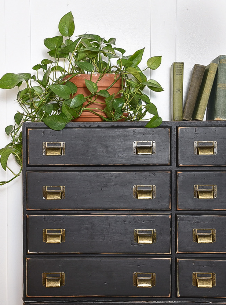 Black hardware drawers with bronze hardware