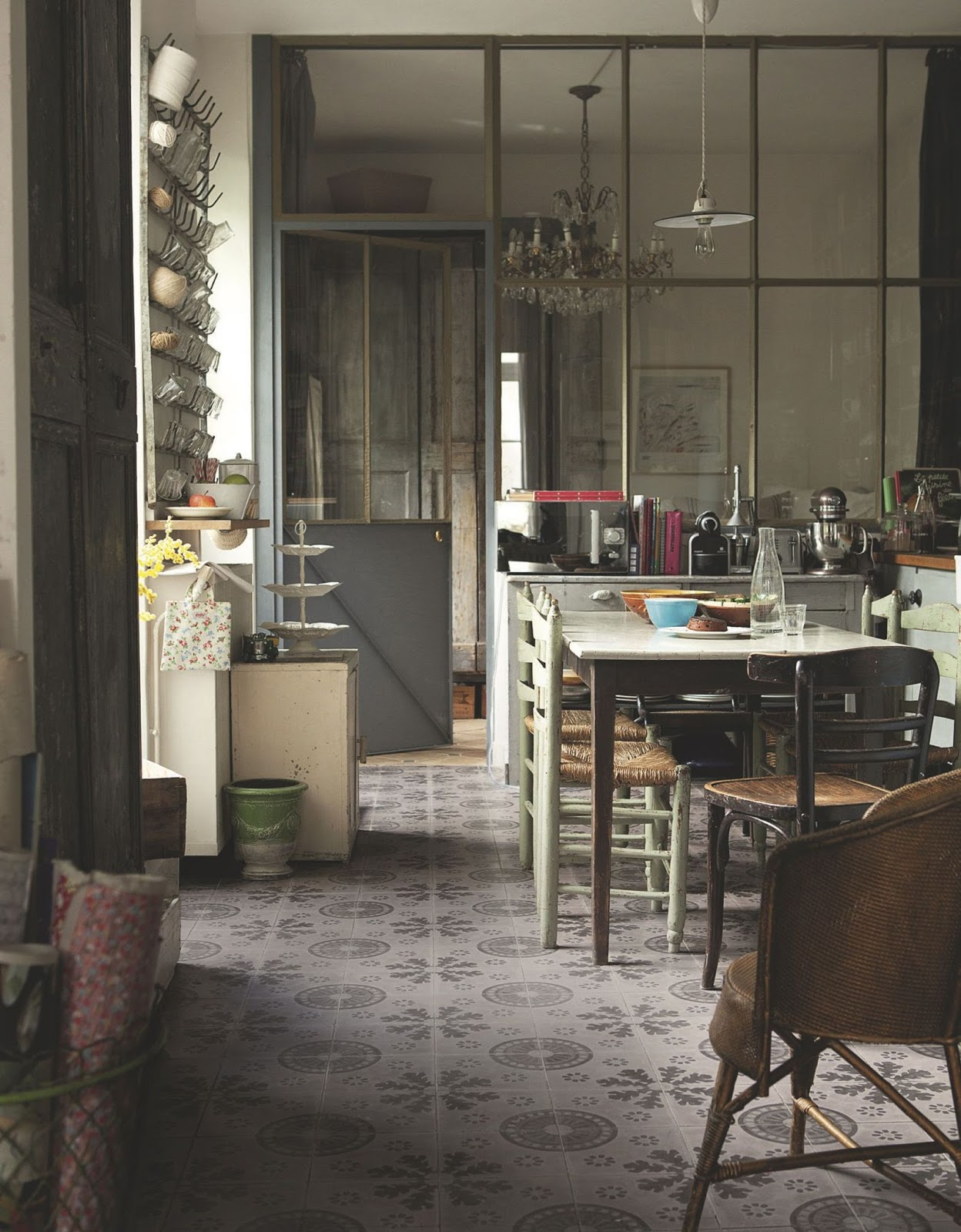 Decordemon a parisian apartment like a country house for Cuisine campagne chic